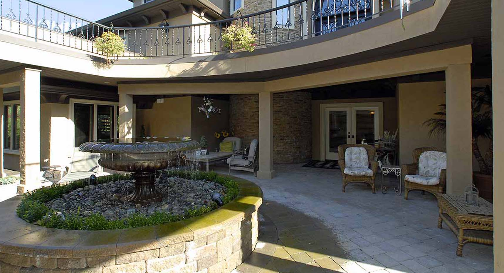 Lake Washington home exterior reconstruction and remodeling services - town construction and development