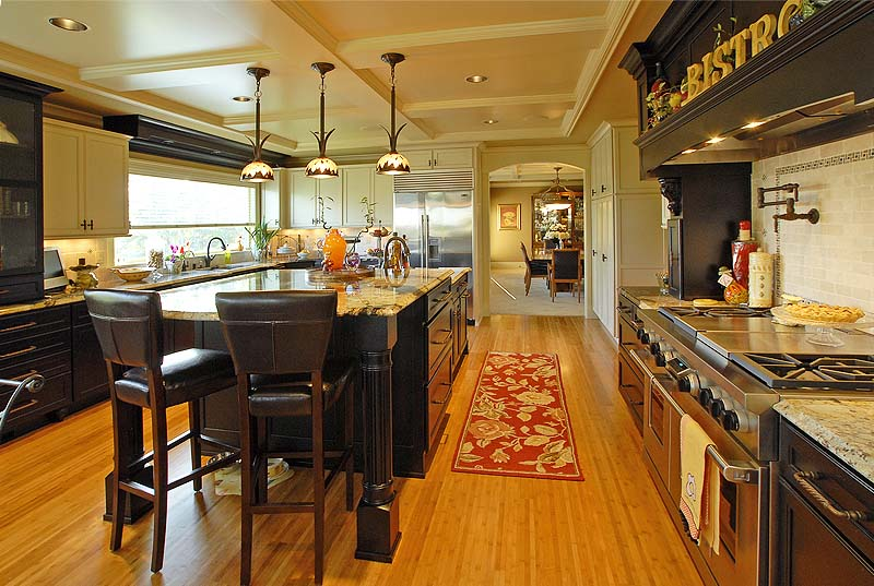Woodway, Wa custom home gourmet Kitchen designs