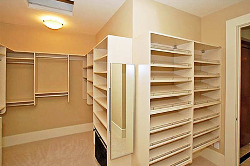 Yarrow Point custom made home closet