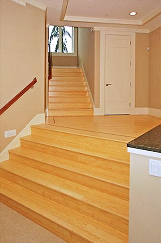 YARROW POINT BAMBOO & TRAVERTINE FLOOR stair case